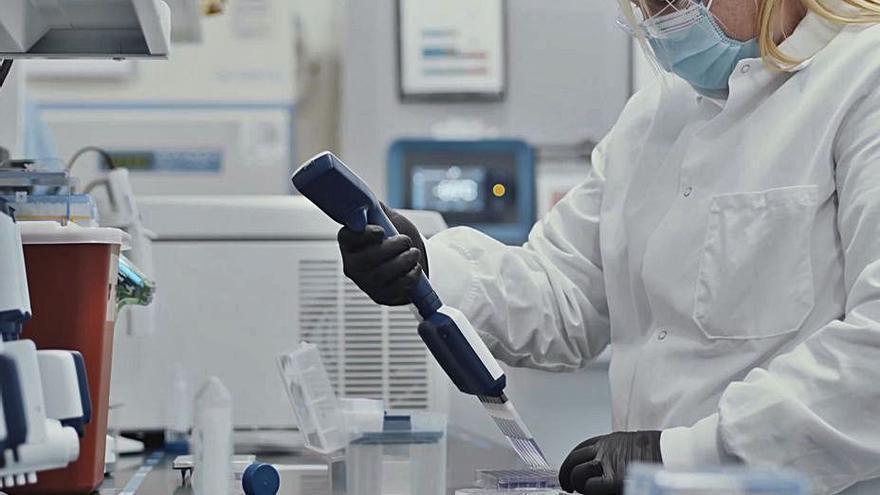 Reino Unido, EE UU y Rusia anuncian el inicio inminente de la vacunación