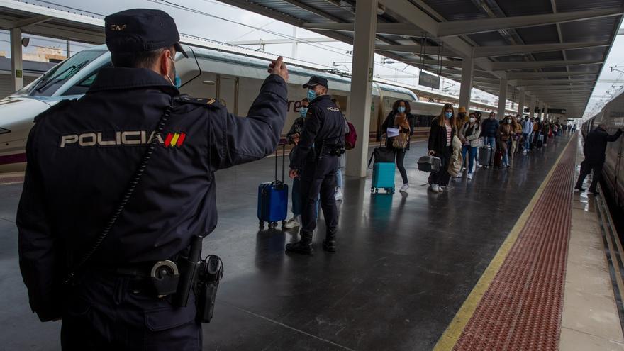 Refuerzo de controles en trenes y autobuses por el cierre perimetral