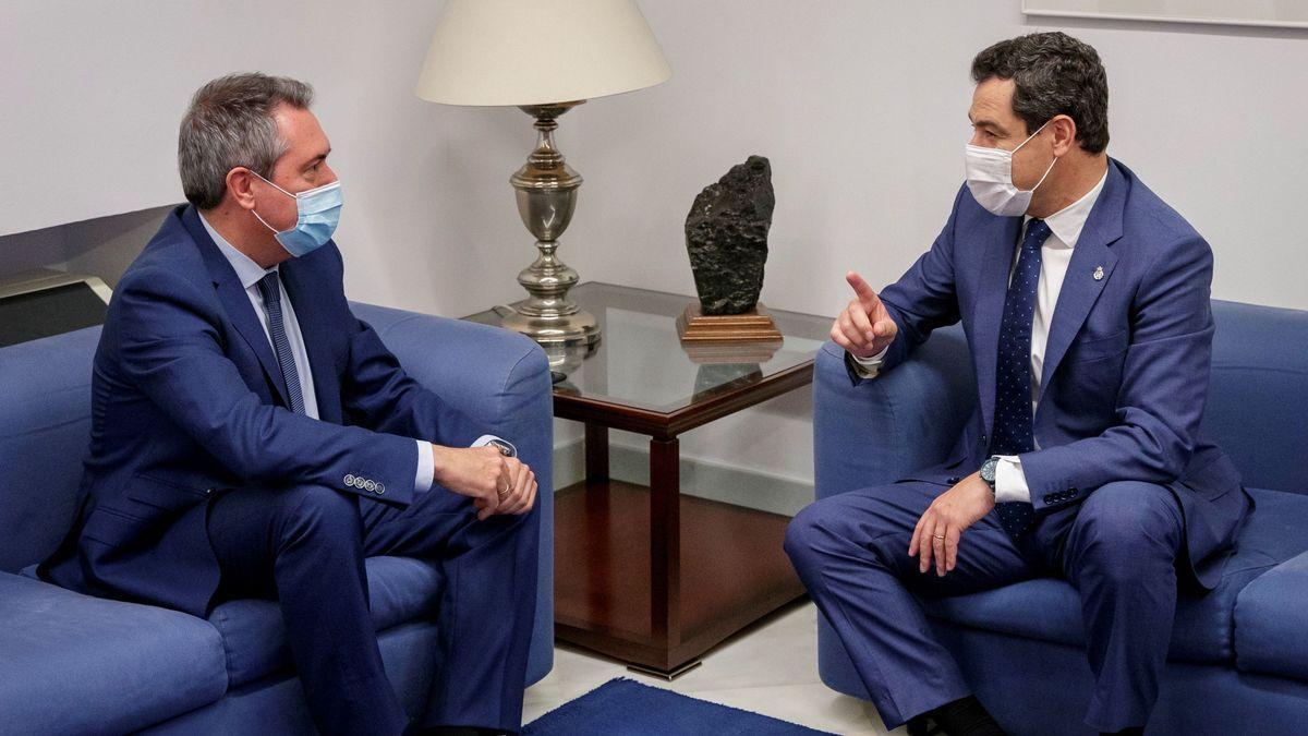Juan Espadas y Juanma Moreno, durante una reunión.