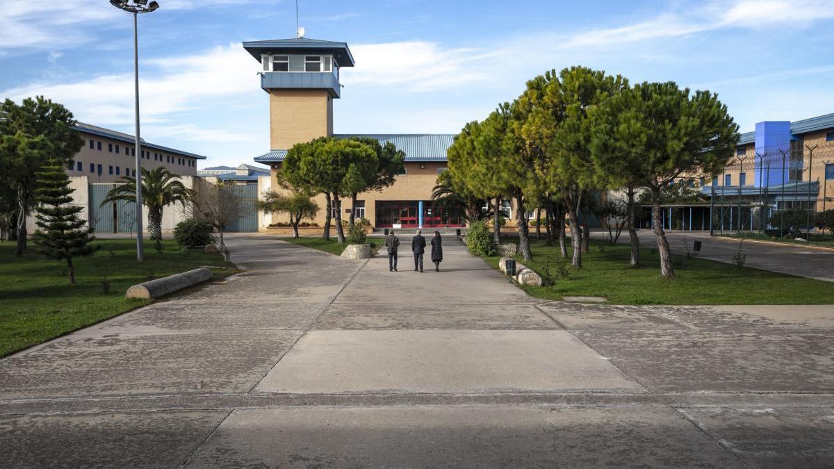 Veintiún funcionarios de la cárcel de Palma en cuarentena tras ocho positivos