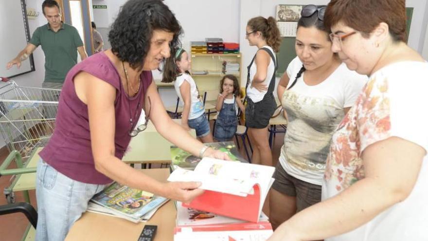 Los alumnos del plan Xarxa Llibre tendrán sus libros en la vuelta al cole en septiembre