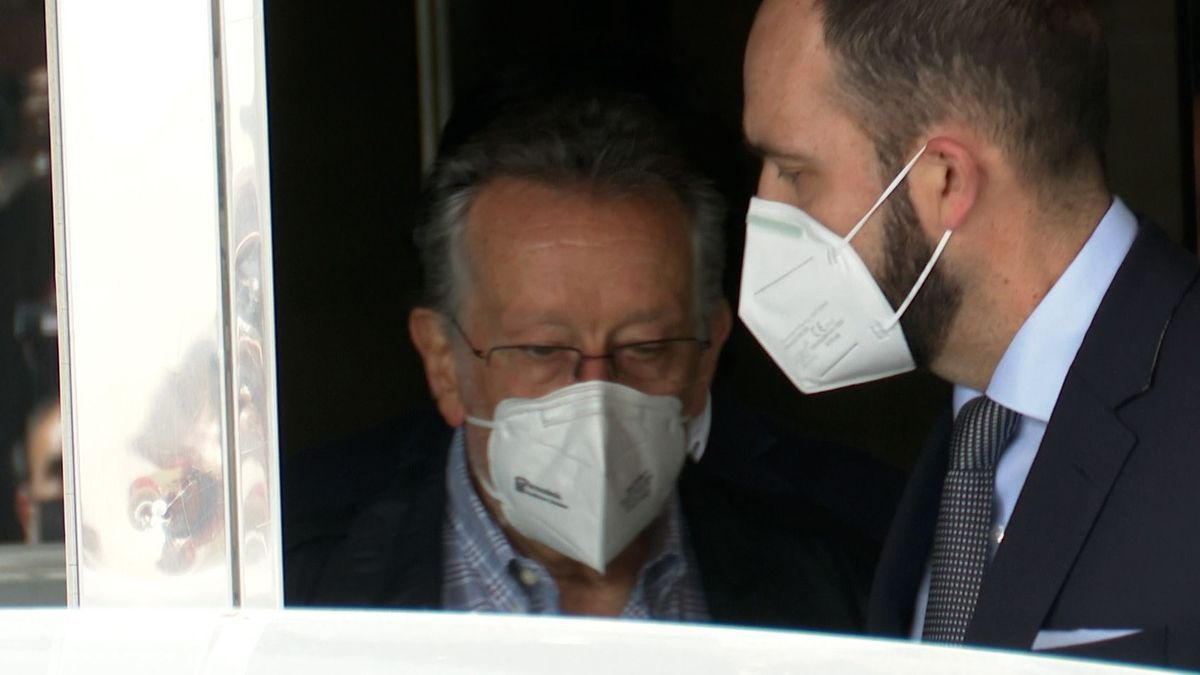 Alfonso Grau, a la izquierda, en una imagen de archivo.