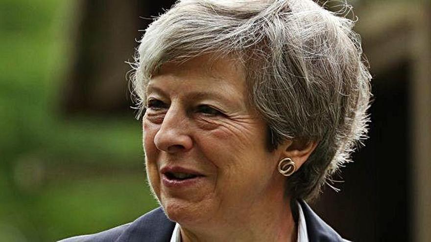 May notifica la seva dimissió com            a líder del Partit Conservador britànic