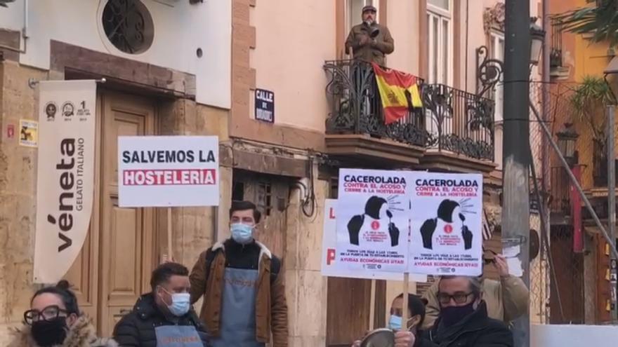 """La hostelería protesta por el cierre """"anticovid"""""""