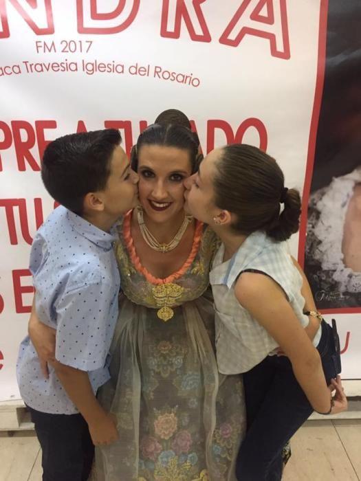 Sandra, recibida en el casal de Barraca-Travesía del Rosario