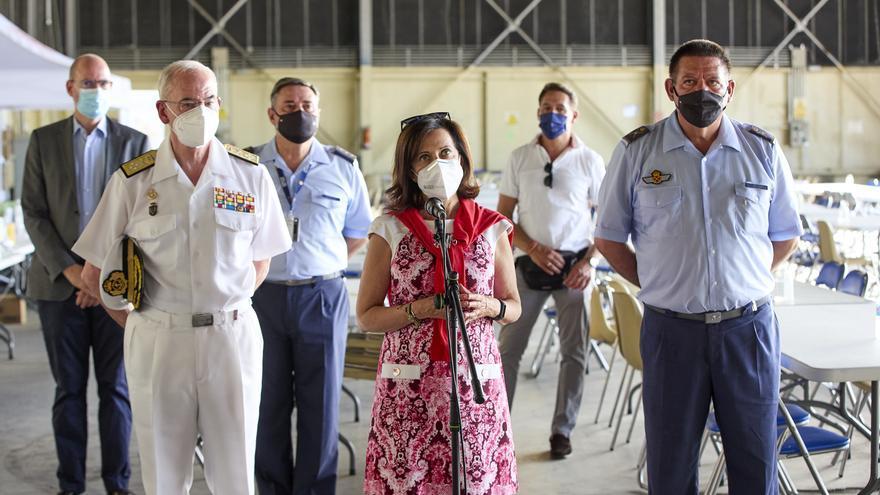 España permanecerá en el aeropuerto de Kabul mientras estén los estadounidenses