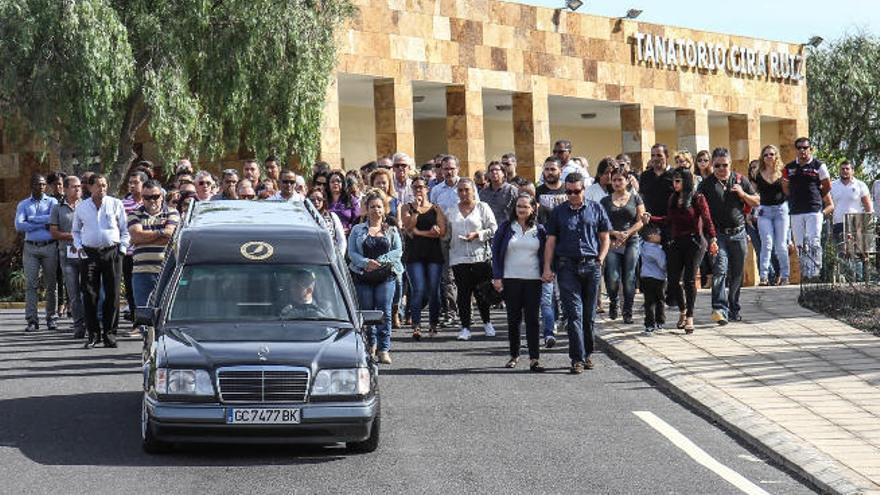 Enterrada la mujer asesinada en Fuerteventura