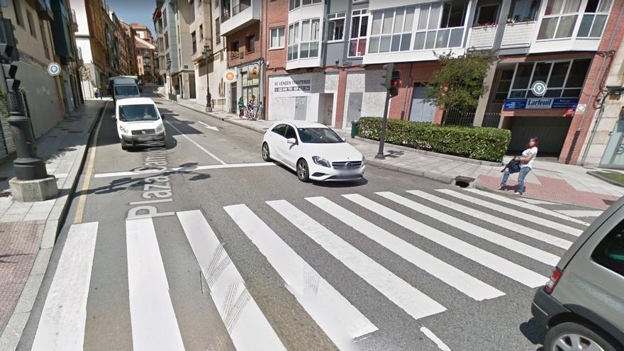 Detenido un camionero ebrio que iba en sentido contrario por el casco histórico de Oviedo