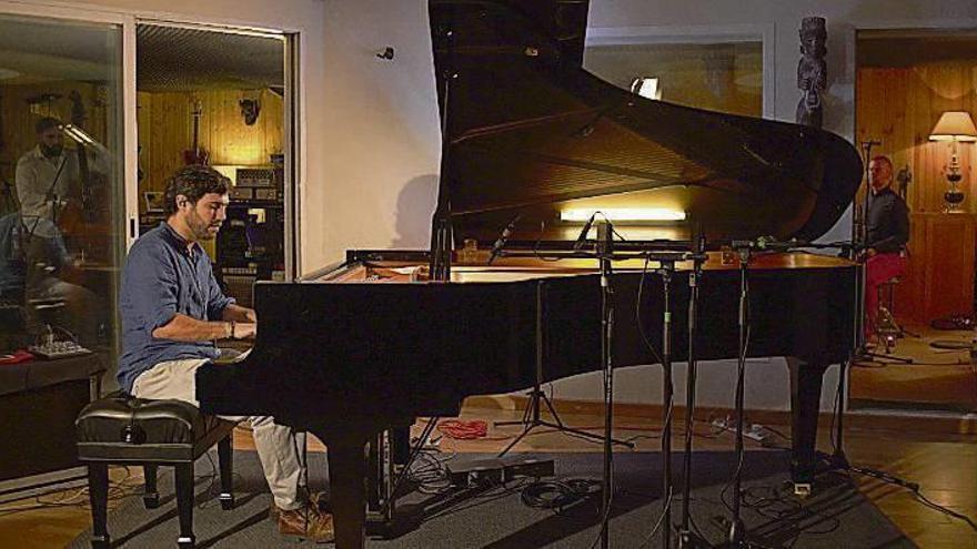 """Gabriel Peso, el """"músico de las estrellas"""", graba su segundo disco"""