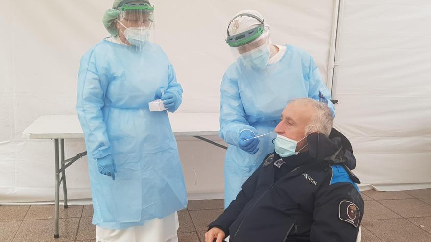 El centro de salud de Moaña comienza a realizar test bajo una carpa