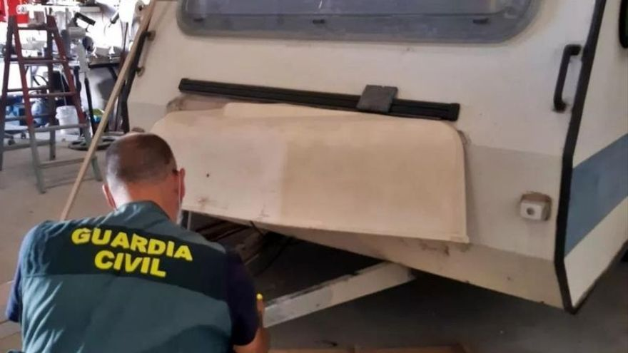 Desmantelado en Don Benito un punto de venta ilegal de caravanas