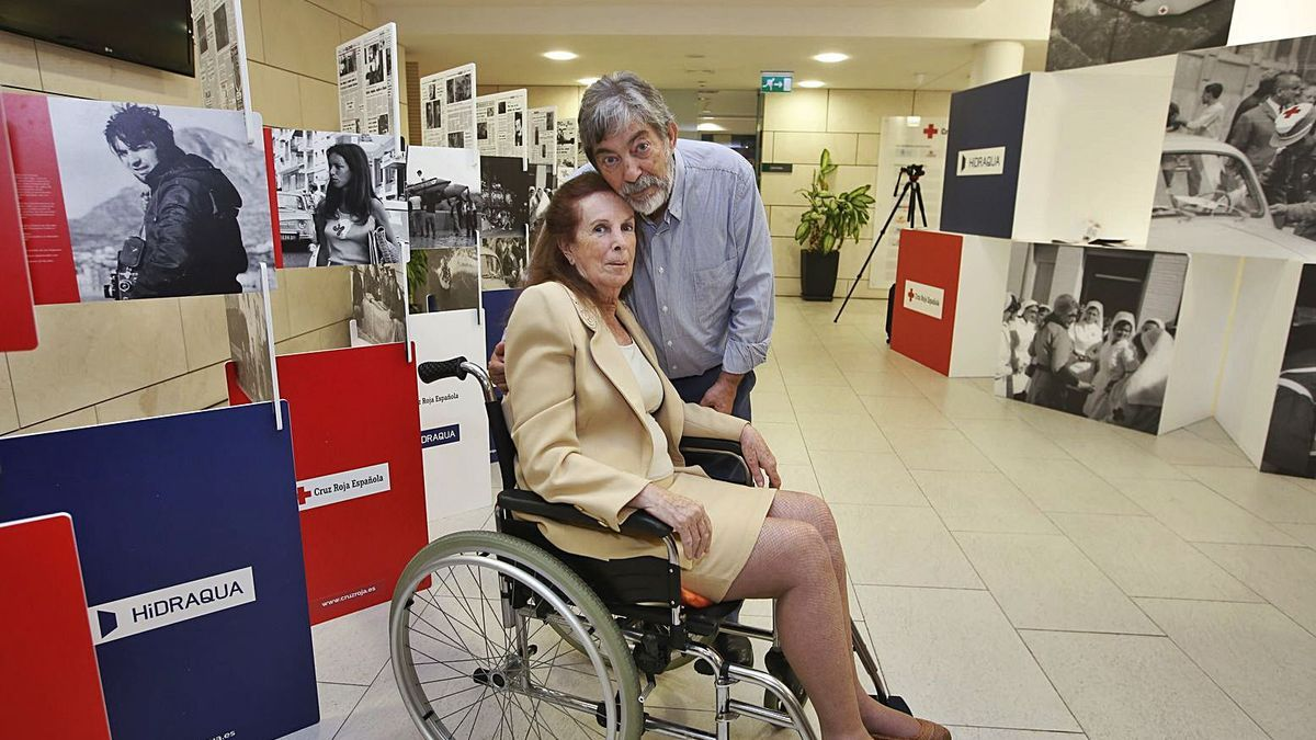 erfecto Arjones y Pirula Arderius en la exposición conjunta de homenaje que organizó Cruz Roja en 2017