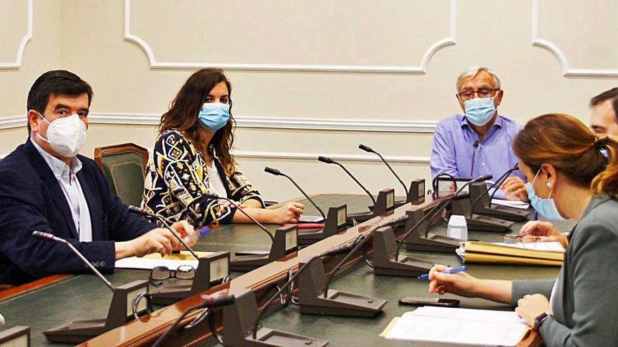 La Comisión de Reconstrucción acaba en bronca por rescatar a Alfonso Grau