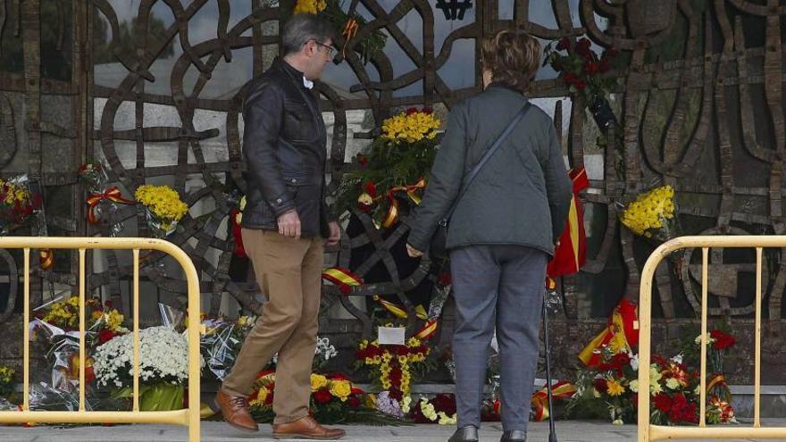 Entrada al panteón con la tumba de Franco en El Pardo.