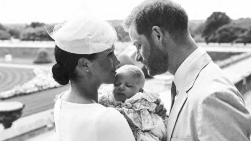 Los duques de Sussex bautizan a Archie en la intimidad