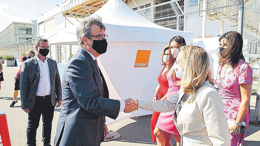 Turistas y vecinos se interesan por la experiencia piloto ubicada en la Ciudad de las Artes