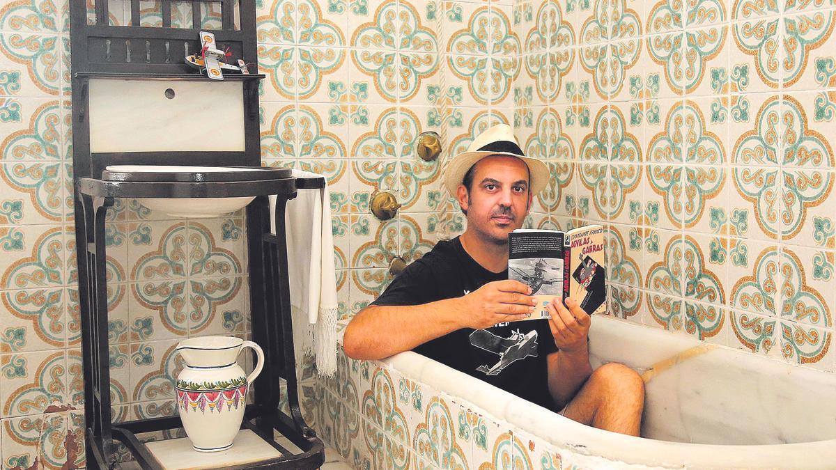 Antonio Zapata en el hotel balneario 'La Encarnación' de Los Alcázares.