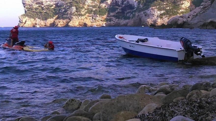 Interceptats 27 immigrants a dues pasteres a la costa d'Alacant
