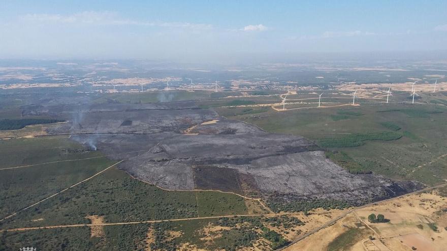 Controlado el incendio de Ferreruela, posiblemente provocado por un tractor