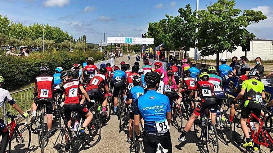 Un centenar de ciclistes a Palafrugell