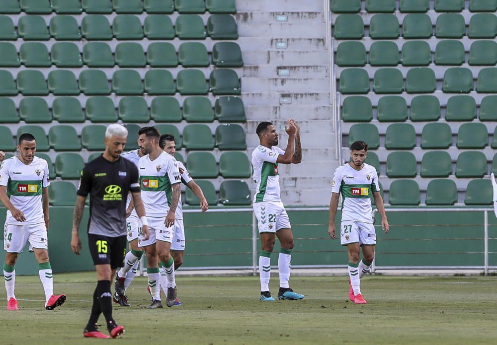 Los franjiverdes no pasan del empate frente a un Extremadura que fue mejor en muchos momentos del partido.