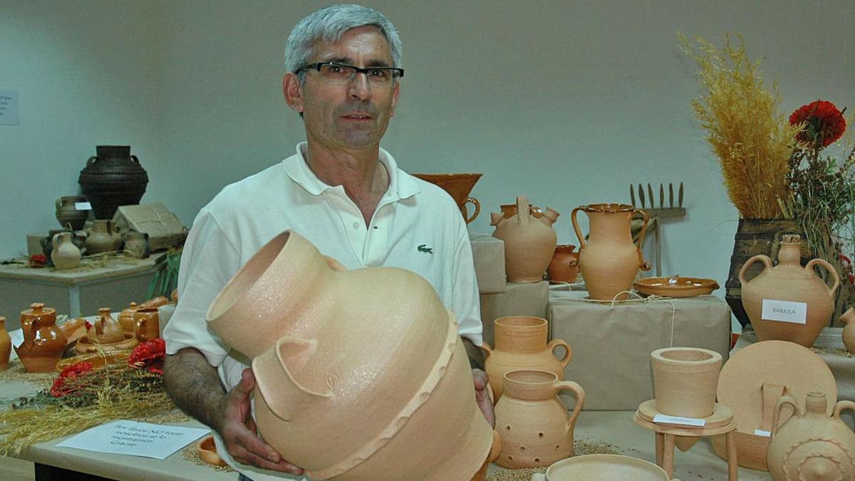 Lis Miguel Pelayo, alfarero de Muelas del Pan.   Chany Sebastián
