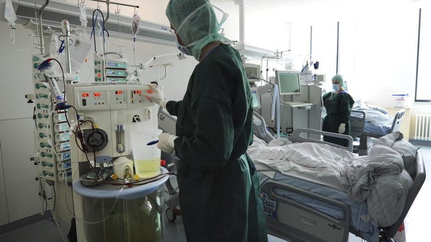 Salud busca a pacientes de alto riesgo con cáncer para vacunarles