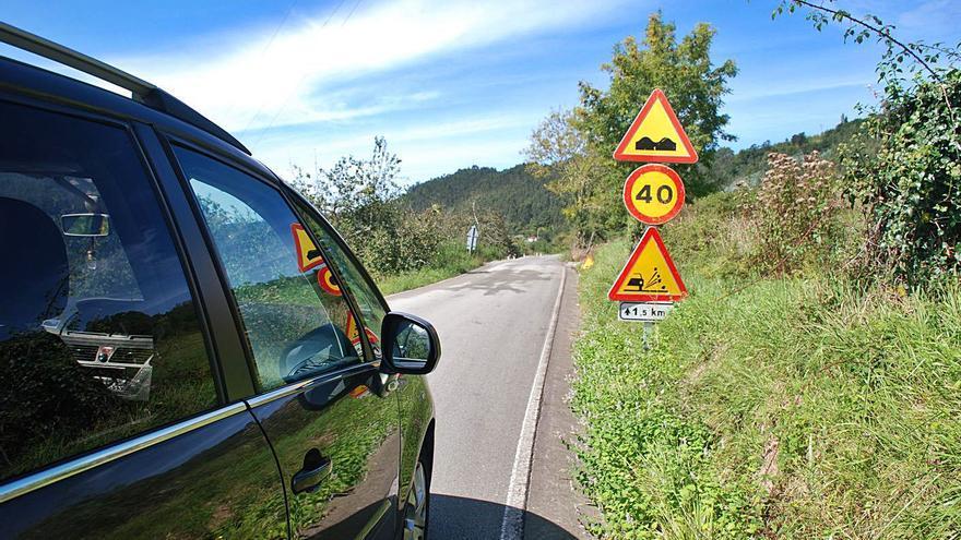 El Principado se compromete a reparar dos carreteras en Peón