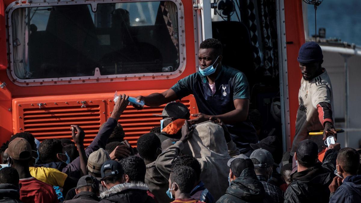 Llegada de migrantes a Arguineguín