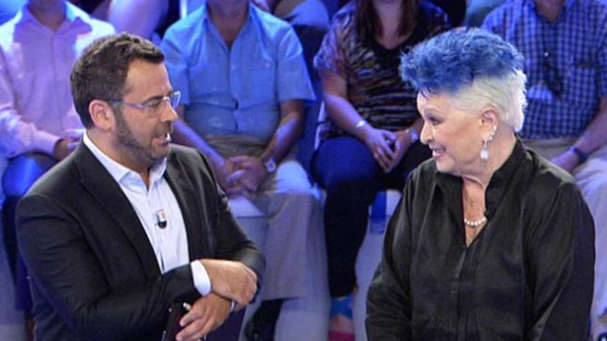 """Pastora Soler y Lucía Bosé, en """"Hay una cosa que te quiero decir"""""""