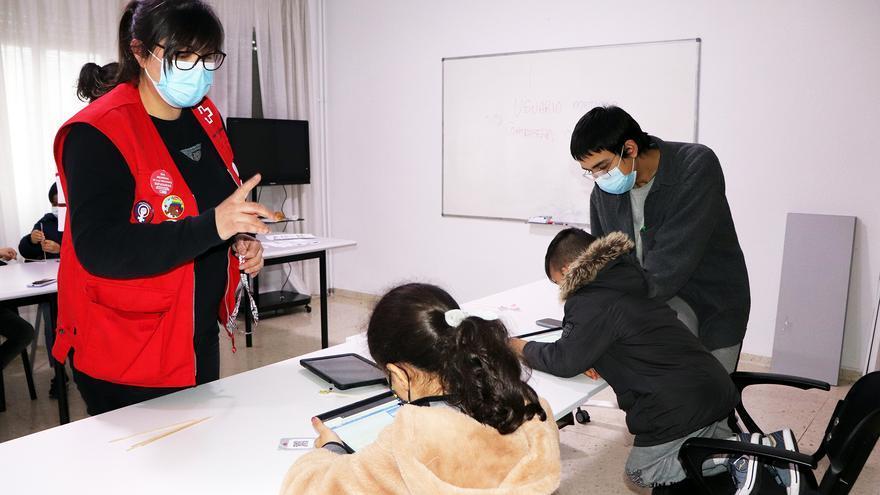 Cruz Roja Zamora estrena un proyecto para dotar de competencias digitales a los niños más vulnerables