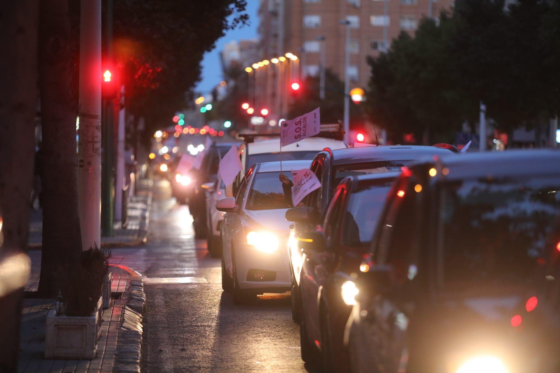 La hostelería colapsa Elche en su protesta contra el cierre total