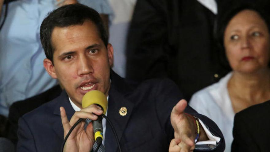 """Guaidó llama a respetar las """"reglas"""" de la Embajada"""