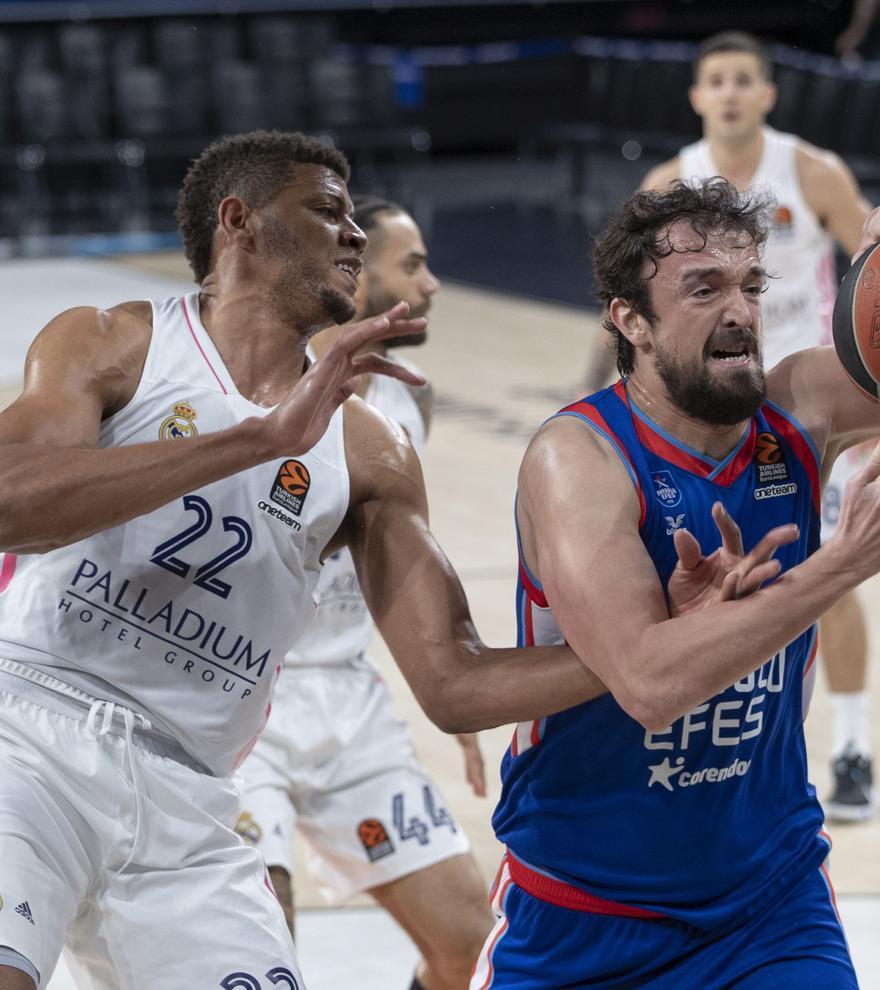 El Real Madrid, eliminado de la Euroliga tras caer en los últimos segundos ante el Efes