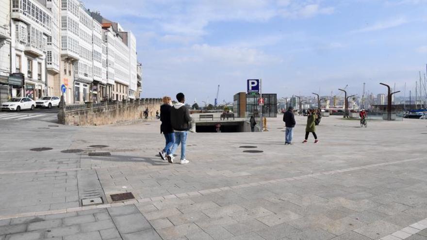 El Concello salda la deuda con el Puerto por las obras de O Parrote y mantiene la de la Marina