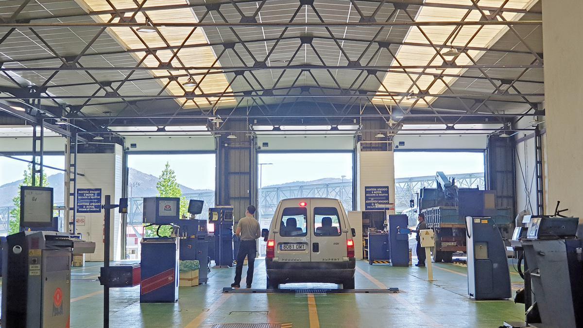 Estación de la ITV en Peinador (Vigo)