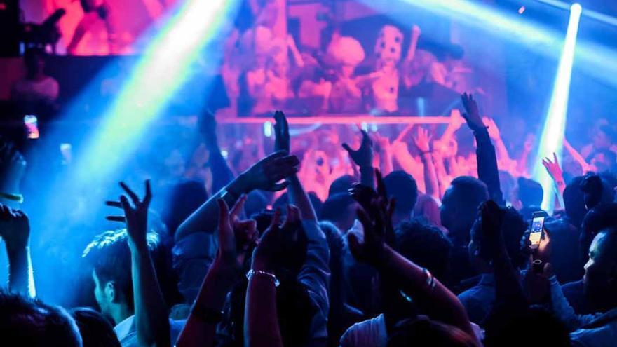 """El director de Turismo ve """"muy complicado"""" que las discotecas de Ibiza abran este verano"""