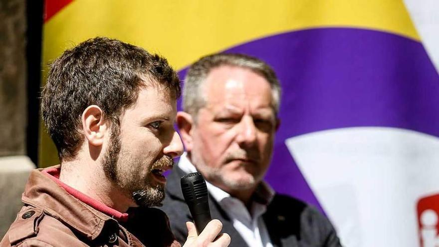 IU homenajea en el colegio Jovellanos a las maestras republicanas españolas