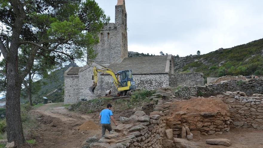 Les darreres excavacions a Santa Helena de Rodes recuperen espai per la visita