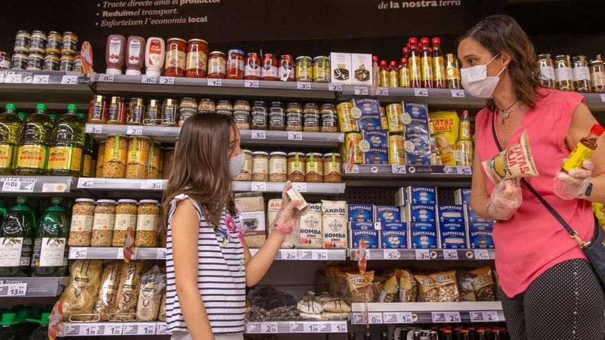 La compra en tiempos de virus: los españoles aumentan su cesta un 35,2% en abril