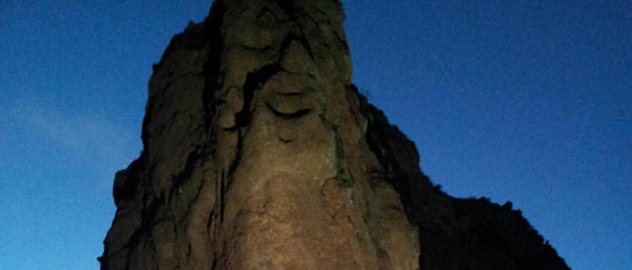 Iluminación artificial del Bentayga.