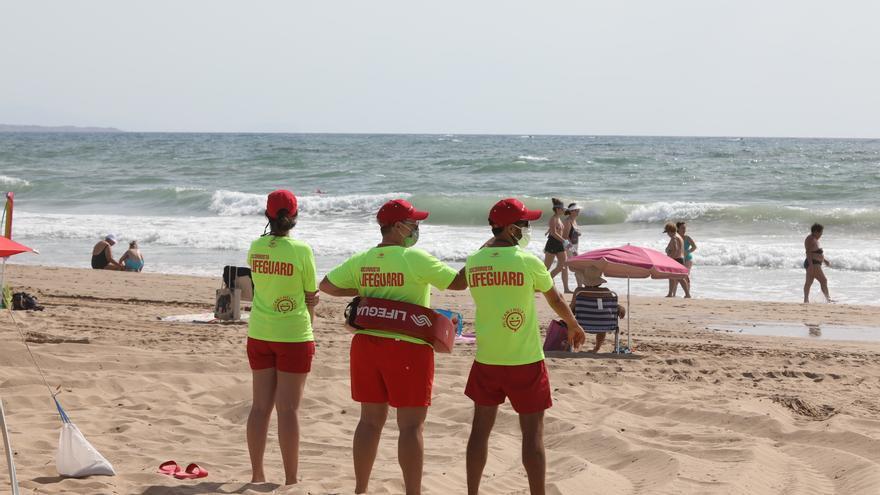 Elche ingresó por los servicios de playa en verano solo el 4,5% de lo previsto