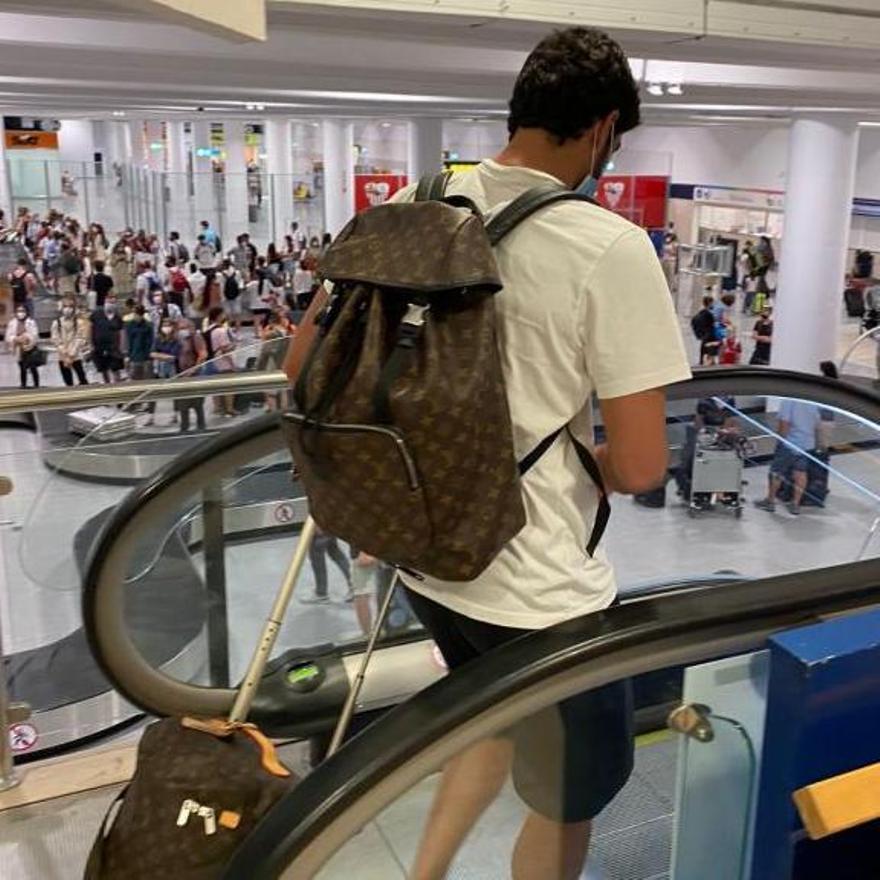 Guedes, en el aeropuerto de Sevilla