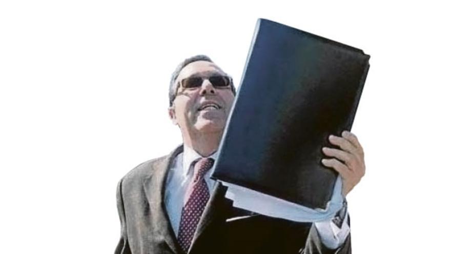 El exjuez Manuel Abadía se enfrenta a la Sección Quinta de la Audiencia
