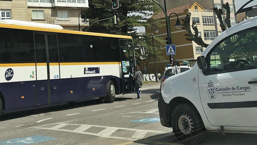 El 70% de los autobuses entre Cangas y Vigo estarán adaptados para viajeros con movilidad reducida este año