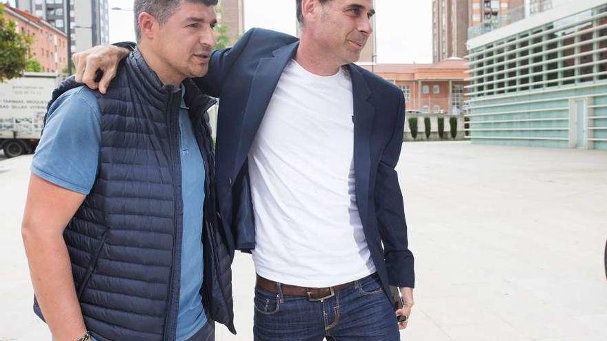 Hierro se aleja del Oviedo, sin director deportivo a un mes del mercado invernal