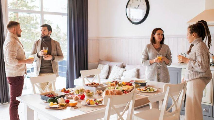 Las nuevas medidas entran en vigor con la posibilidad de reuniones en viviendas