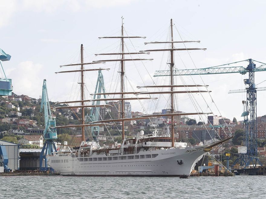 """El """"Sea Clod Spirit"""", amarrado en el muelle de armamento de MetalShips en Ríos (Teis). (2).jpg"""