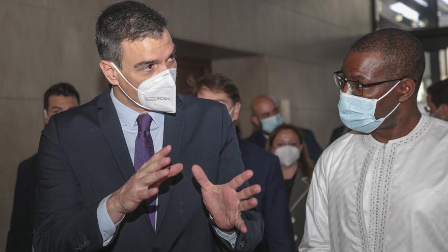 """Sánchez acusa a Díaz Ayuso de """"maquillar"""" los datos de la pandemia y le pide que empiece a colaborar"""