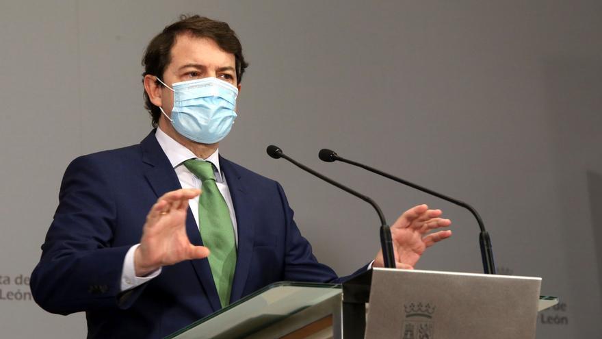 "Mañueco considera ""deplorable"" la actitud de la ministra Ribera respecto al lobo"